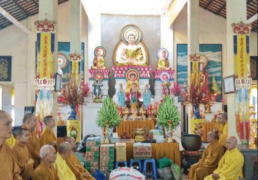 Chánh điện chùa Viên Minh
