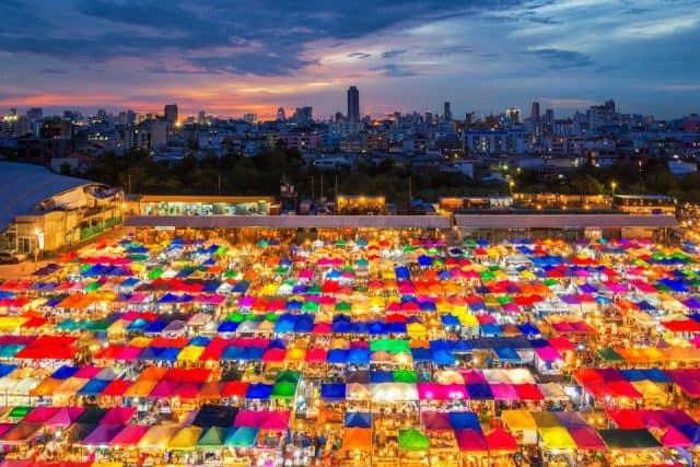 Hầu hết các du khách khi đến Bangkok đều không thể bỏ qua nơi này (ẢNH ST)