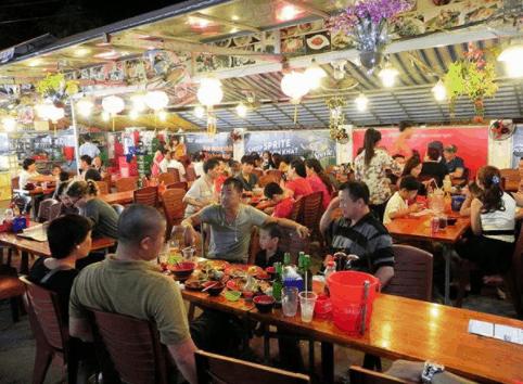 Chợ đêm Bạch Đằng - Địa điểm du lịch hấp dẫn tại Phú Quốc
