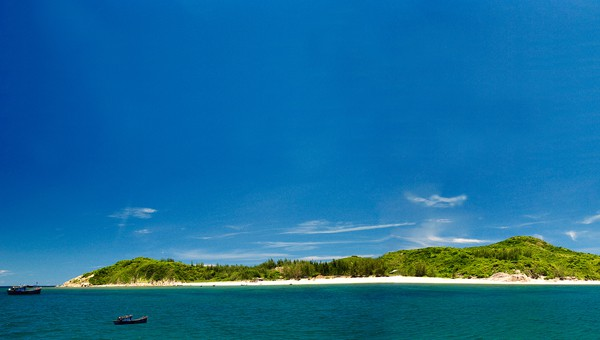 A beautiful little island in the sea of ​​Phu Yen (ST PHOTO)