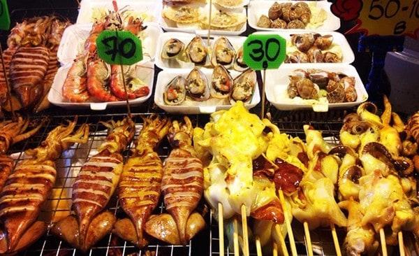 Các món ăn cực hấp dẫn ở Sukhumvit Soi 38 (ẢNH ST)