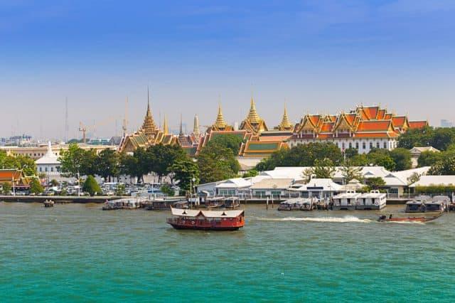 Thăm quan du lịch bằng thuyền trên dòng sông nổi tiếng ở Bangkok (Ảnh ST)