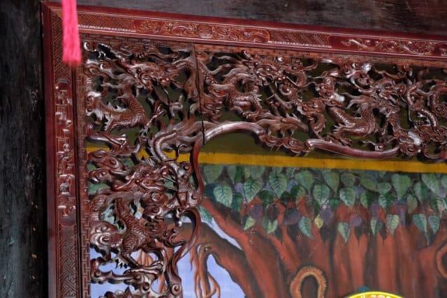 Những họa tiết chạm khắc theo lối kiến trúc xưa (Ảnh ST)