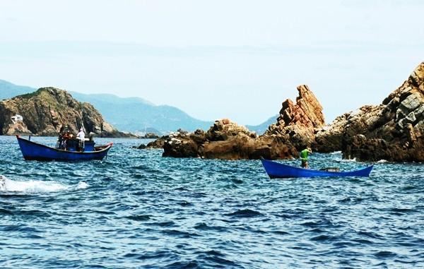 Hòn đảo giữa mênh mông sóng nước (Ảnh ST)