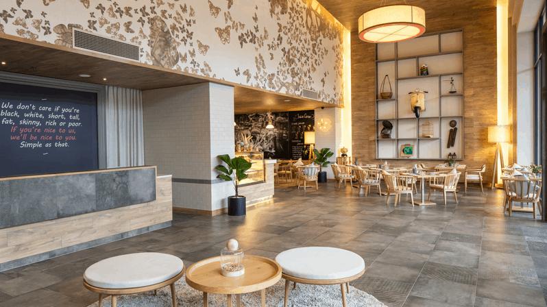 khách sạn fusion suites 1