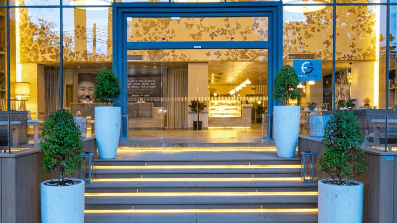 Khách sạn Fusion Suites Saigon