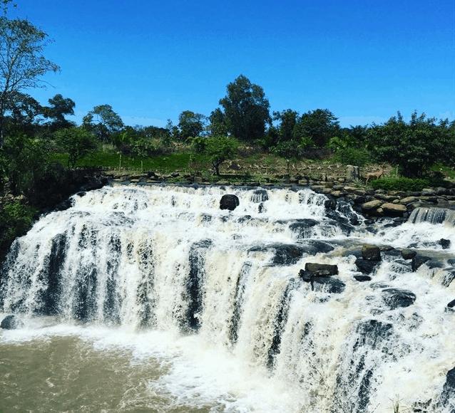 Khung cảnh tuyệt đẹp tại thác Đá Bàn