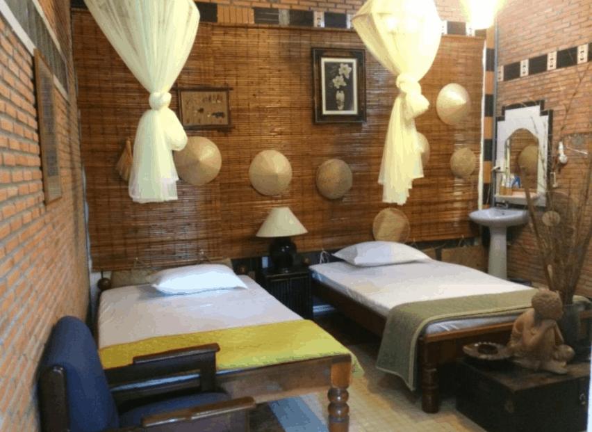 Phòng nghỉ tại Charming Countryside được trang trí theo lối truyền thống