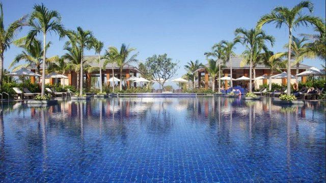 Là một trong số những resort Hội An đẹp dọc bãi biển Cửa Đại, Sunrise Premium Resort Hội An với 222 phòng nghỉ cùng biệt thự có view nhìn ra biển thoáng đãng (Ảnh ST)