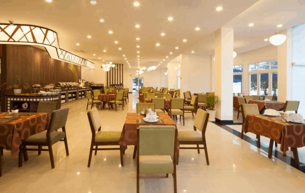 Khu nhà ăn sang trọng tại Ben Tre Riverside Resort