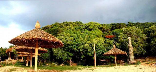 Một số khu du lịch đã đi vào hoạt động ngay trên đảo (Ảnh ST)