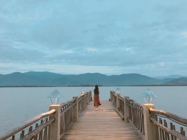 Check-in sống ảo cực đẹp ở cây cầu huyền thoại (Ảnh ST)