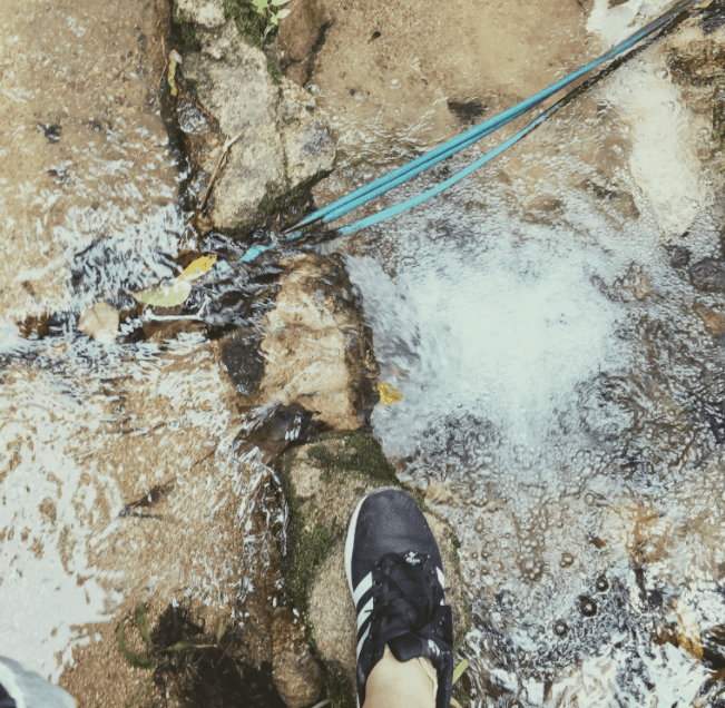 Lên núi Ma Thiên Lãnh theo đường ống dẫn nước không bị lạc