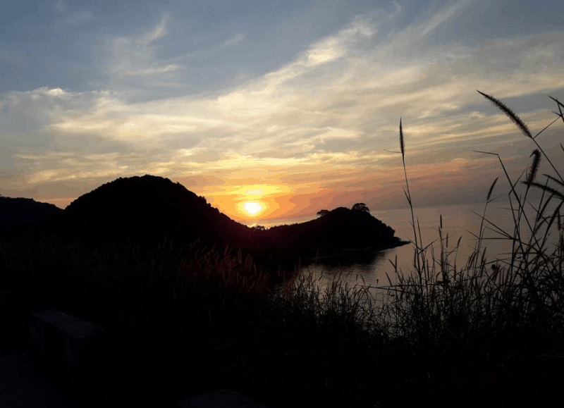 Ngắm hoàng hôn tuyệt đẹp trên đảo Nam Du