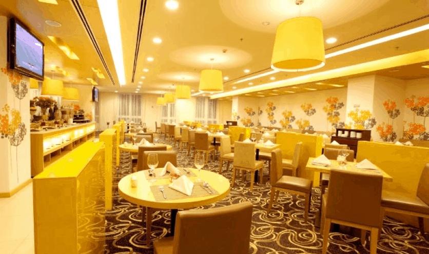 Nhà hàng Central nằm ở tầng 1 khách sạn