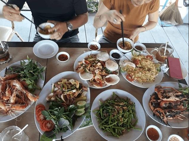 Những món ăn dân dã tại KDL Phú An Khang