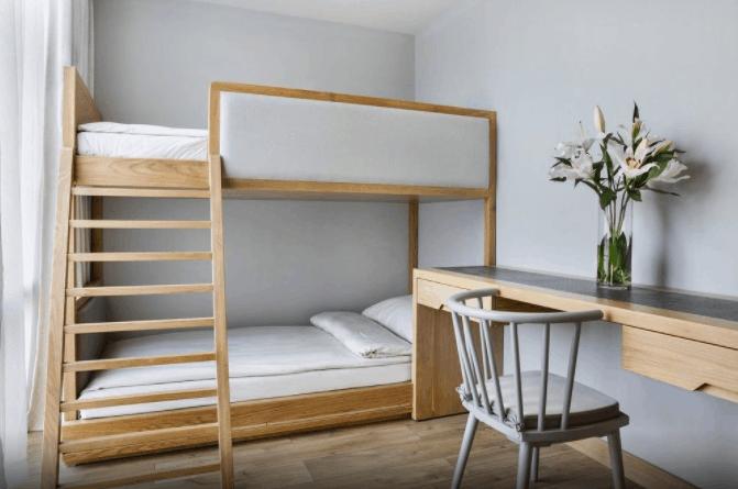 Phòng nghỉ giường tầng dành cho gia đình tại Fusion Suites Saigon