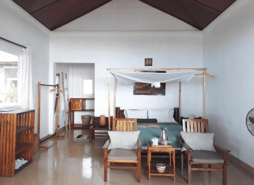 Nội thất trong phòng nghỉ tại Bamboo Cottages đều được làm từ tre