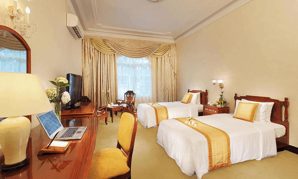 Phòng nghỉ tại Continental được trang bị đầy đủ đồ dùng tiện nghi