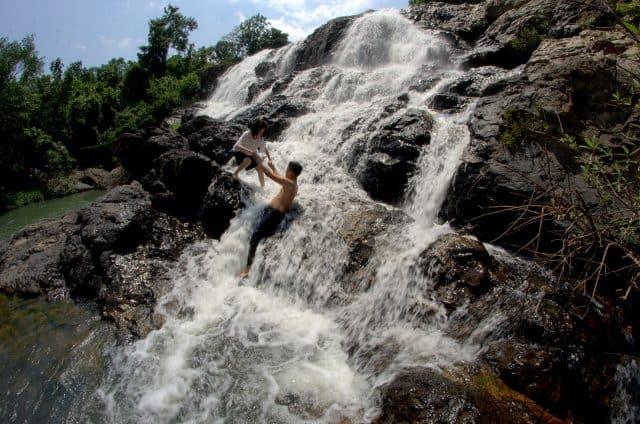Ngọn thác được xem như một địa điểm du lịch hấp dẫn ở Sông Cầu (Ảnh ST)