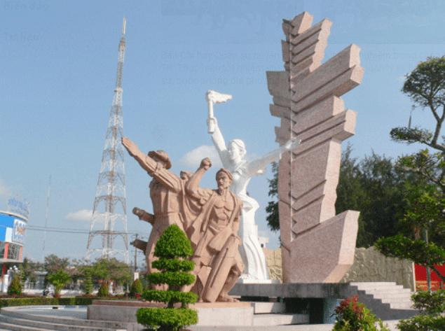 Tượng đài Đồng Khởi Bến Tre