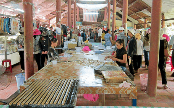 Xưởng làm kẹo dừa tại Bến Tre