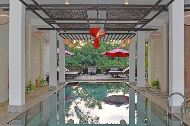 Hồ bơi trong khách sạn Thiện Thanh (Ảnh ST)