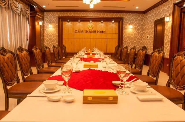 Phòng ăn VIP trong Cẩm Thành - khách sạn Quảng Ngãi (Ảnh ST)