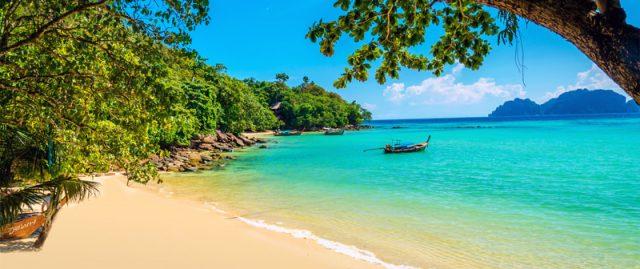 Bãi biển xanh trong ở Koh Phi Phi (Ảnh ST)