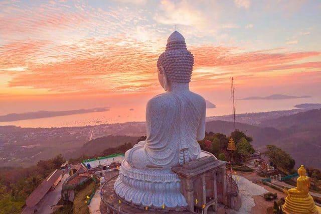Bức tượng Phật lớn nhất ở Phuket (Ảnh ST)