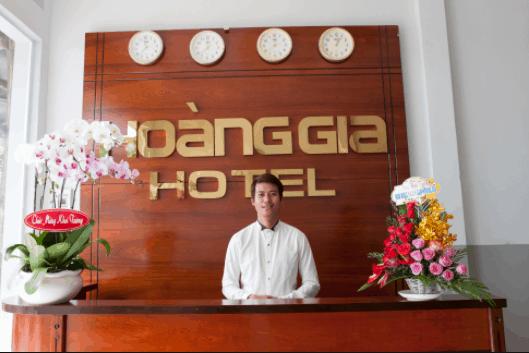 """Khách sạn Hoàng Gia được thiết kế và trang trí theo phong cách """"hoàng gia"""" rất sang trọng và quý phái"""