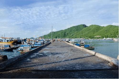 Cầu cảng bãi Chệt