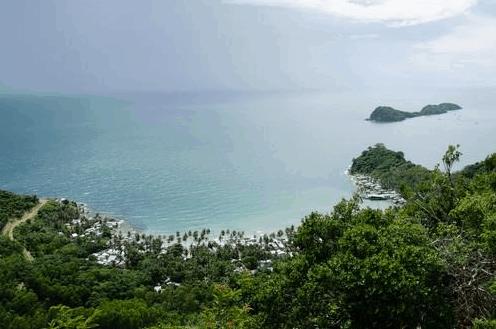 Du khách có thể khám phá những nét còn rất hoang sơ ở đảo Nam Du