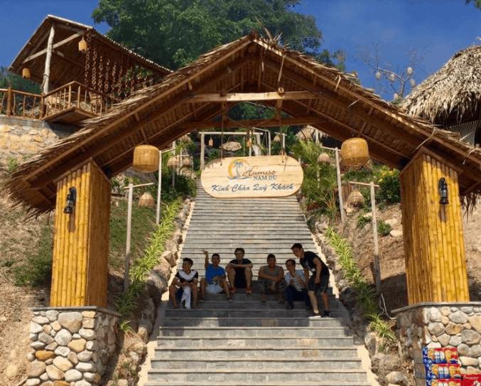 Cổng vào khu resort Humiso