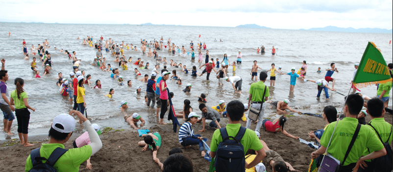 Hoạt động teambuilding ở biển Mũi Nai