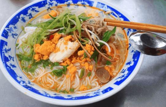 Tô bún cá Kiên Giang hấp dẫn người ăn