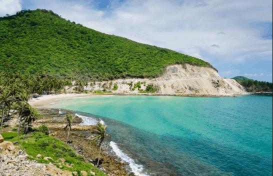 Hòn Củ Tron - 1 trong 21 hòn đảo lớn nhỏ của quần đảo Nam Du