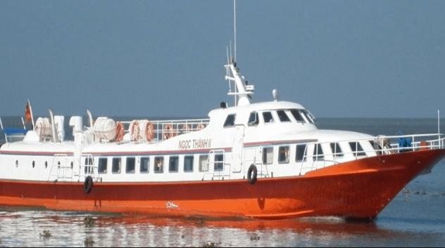 Tàu cao tốc Ngọc Thành ra đảo Hòn Sơn