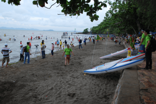 Nhiều hoạt động tập thể dành cho du khách đi theo đoàn nghỉ ở khách sạn Mũi Nai