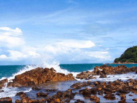 Hòn Hai Bờ Đập có hình dáng khá đặc biệt trong quần đảo Nam Du