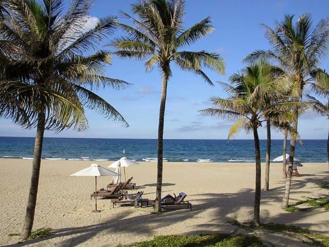 Khung cảnh thanh bình trên bãi biển (Ảnh ST)