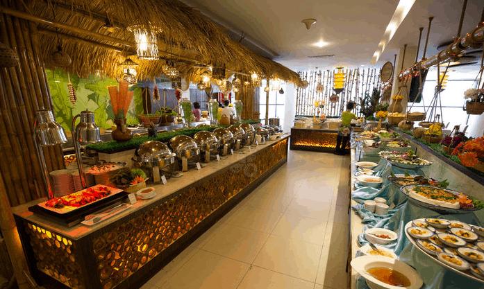 Buffet tại nhà hàng Saigon Palace