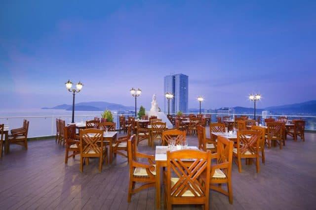 Nhà hàng trên tầng cao nhất cực đẹp (Ảnh ST)