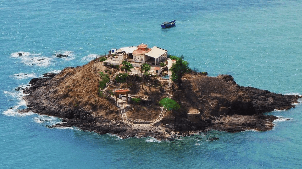 Hòn Bà là một hòn đảo nhỏ ở Vũng Tàu