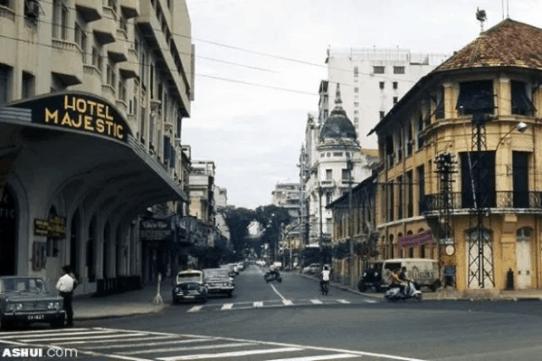 Khách sạn Majestic Saigon có một vị trí vô cùng thuận lợi