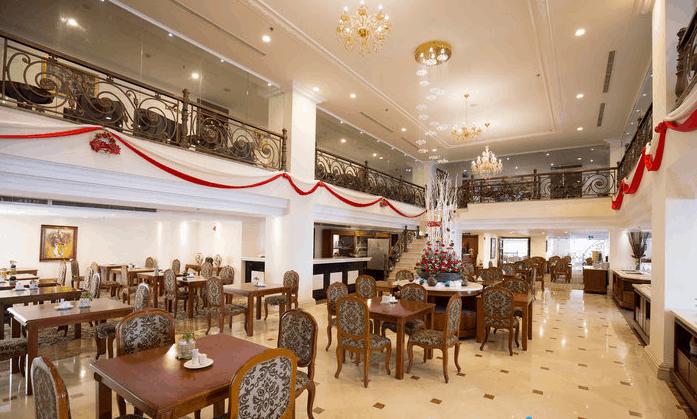 Không gian nhà hàng Saigon Palace
