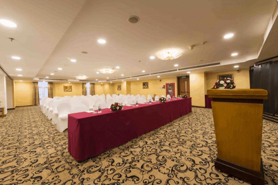 Phòng họp Lavender 1 có không gian rộng lớn