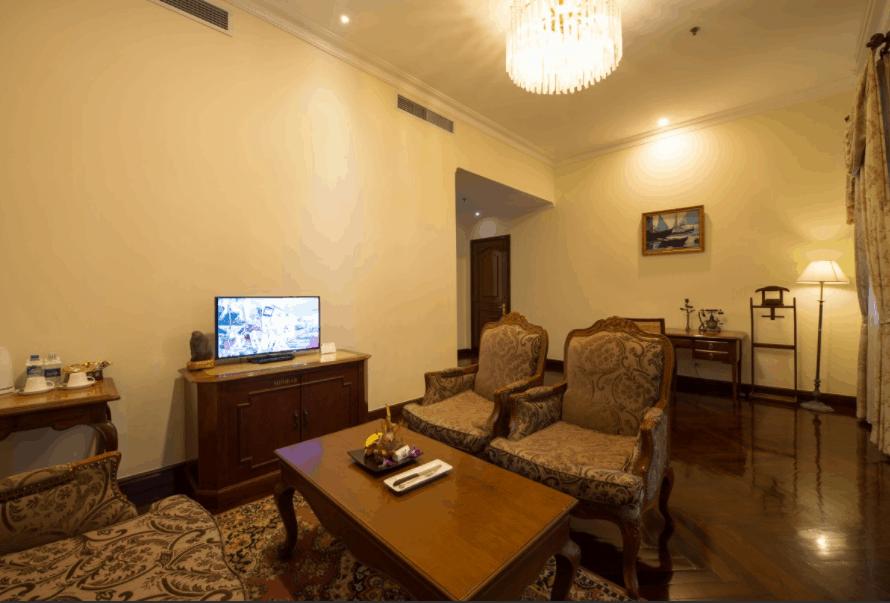 Hình ảnh phòng khách tại Grand Hotel Saigon