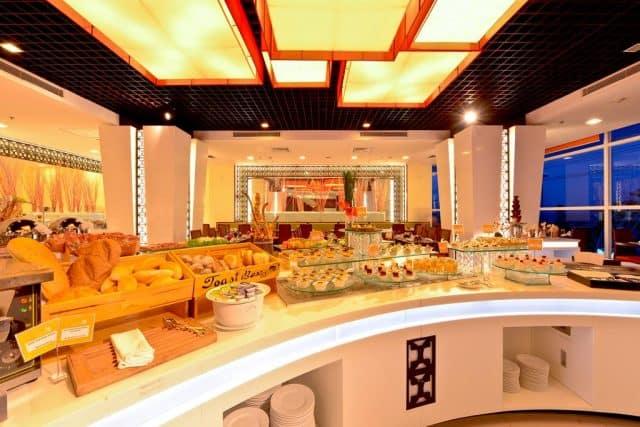 Nhà hàng phục vụ nhiều món ăn hấp dẫn (Ảnh ST)