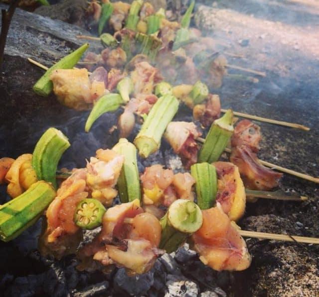 Nướng đồ ăn trên núi (Ảnh ST)